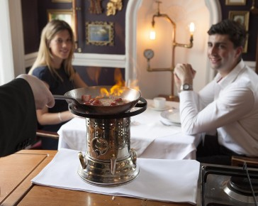 Flambee-at-the-table-restaurant-cornwall
