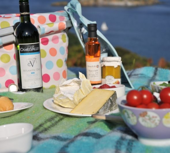 afternoon-tea-picnic-break-in-cornwall-penventon-hotel-image-credit-matt-jessop-visit-cornwall