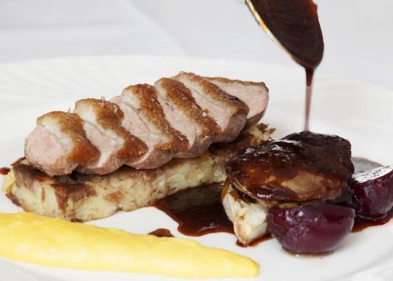 Penventon-Park-Hotel-Restaurant-Duck