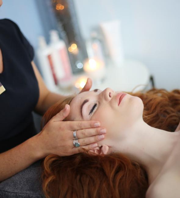Relaxing-facial-treatment-Penventon-Leisure-Spa